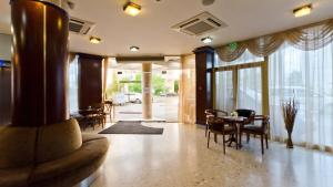 Nadejda Hotel, Hotels  Sofia - big - 52