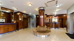 Nadejda Hotel, Hotels  Sofia - big - 38