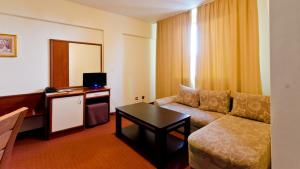 Nadejda Hotel, Hotels  Sofia - big - 16