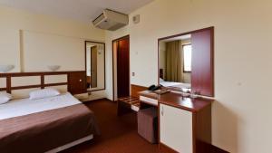 Nadejda Hotel, Hotels  Sofia - big - 30