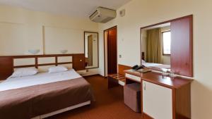 Nadejda Hotel, Hotels  Sofia - big - 33