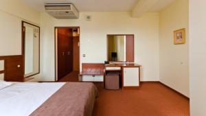 Nadejda Hotel, Hotels  Sofia - big - 6