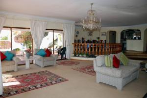 Villa Boutique Rentals - Algarve, Vily  Almancil - big - 9