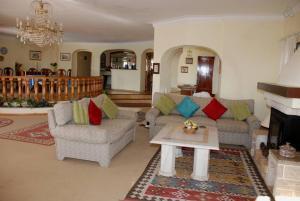 Villa Boutique Rentals - Algarve, Vily  Almancil - big - 17