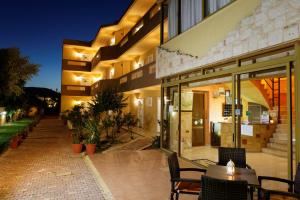 Danelis Studios & Apartments, Апарт-отели  Малиа - big - 39