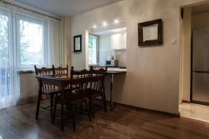 Apartamenty Varsovie Rondo ONZ, Apartmanok  Varsó - big - 51