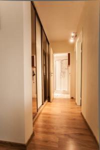 Apartamenty Varsovie Rondo ONZ, Apartmanok  Varsó - big - 54