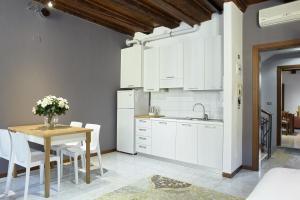 L'Ospite Appartamenti, Apartmanok  Verona - big - 26