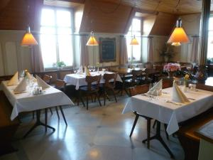 Hotel Speiserestaurant Bahnhof, Hotely  Güttingen - big - 43