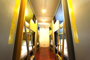Single Bed in 12-Bed Mixed Dormitory Room