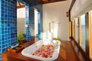 Bandos Maldives, Resorts  Male City - big - 62