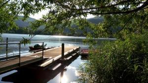 La casa nel Residence Lago D'Endine - AbcAlberghi.com
