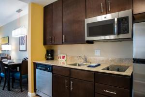 TownePlace Suites Orlando at Flamingo Crossings/Western Entrance (22 of 33)