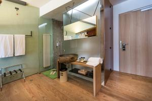 Ambienthotel PrimaLuna, Hotely  Malcesine - big - 57