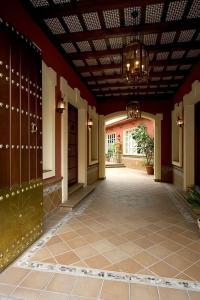 Hotel Manolo Mayo, Hotely  Los Palacios y Villafranca - big - 11