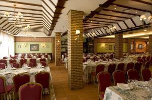 Hotel Manolo Mayo, Hotely  Los Palacios y Villafranca - big - 19