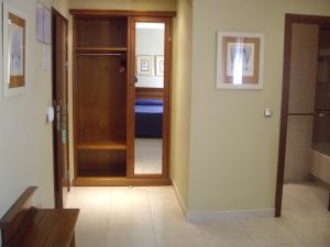 Hotel Manolo Mayo, Hotely  Los Palacios y Villafranca - big - 21