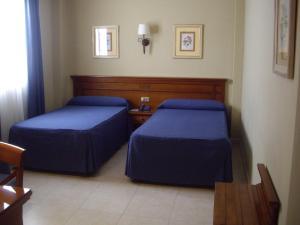 Hotel Manolo Mayo, Hotely  Los Palacios y Villafranca - big - 7