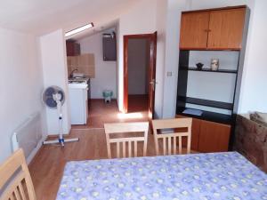 Apartment Ines 2 IR3006, Апартаменты  Раб - big - 8