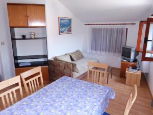 Apartment Ines 2 IR3006, Апартаменты  Раб - big - 9