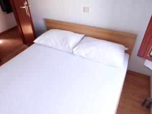 Apartment Ines 2 IR3006, Апартаменты  Раб - big - 2