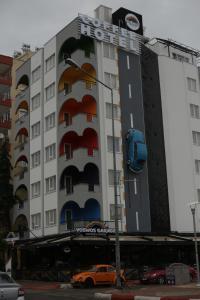 VosWos Garage Coffee Hotel