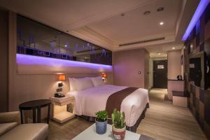 Moving Star Hotel