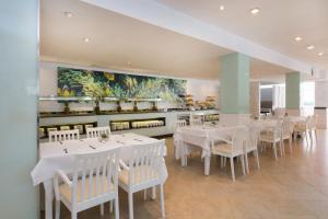 Iberostar Ciudad Blanca, Hotel  Port d'Alcudia - big - 39