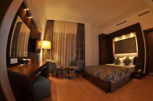 Small Beach Hotel, Hotels  Turgutreis - big - 12