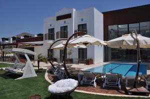 Small Beach Hotel, Hotels  Turgutreis - big - 1