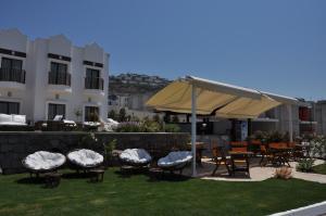 Small Beach Hotel, Hotels  Turgutreis - big - 15