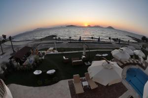 Small Beach Hotel, Hotels  Turgutreis - big - 14