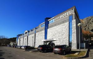 Hotel Diadem
