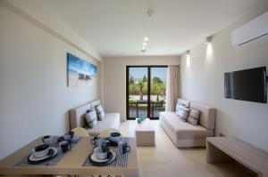 Marinos Beach Hotel-Apartments, Aparthotels  Platanes - big - 8
