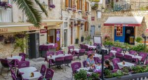 Villa Kudelik - Stone Story, Bed and breakfasts  Trogir - big - 54