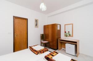 Guesthouse Sobra, Penziony  Sobra - big - 82