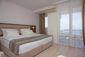 Hotel Adrović, Hotely  Sveti Stefan - big - 21