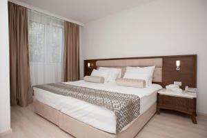 Hotel Adrović, Hotely  Sveti Stefan - big - 37