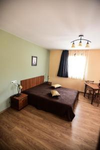Pensiunea Casa Diaspora, Отели типа «постель и завтрак»  Тыргу-Жиу - big - 6