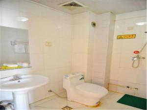 Kelinning Hotel Qingdao East Jialingjiang Road, Szállodák  Huangtao - big - 3