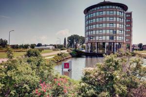 Best Western Plus Amedia Amsterdam Airport, Hotels  Schiphol - big - 1