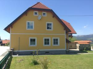 Ferienwohnungen Grün, Apartments  Preitenegg - big - 12