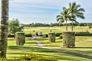 Vicenza Golf Condo at the Lely Resort, Apartmanok  Naples - big - 8