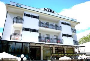 Hotel Lux, Hotely  Cesenatico - big - 79