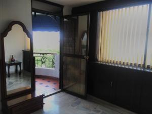 Ribera del Rio Av 2da Norte, Aparthotels  Cali - big - 49