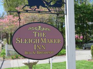 The Sleigh Maker Inn Bed and Breakfast, Panziók  Westborough - big - 1