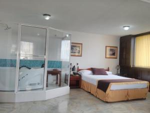 Ribera del Rio Av 2da Norte, Aparthotels  Cali - big - 14