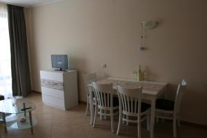 Sunny Beach Rent Apartments - Royal Sun, Appartamenti  Sunny Beach - big - 3