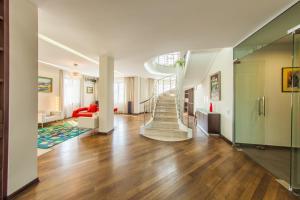 Two-storey luxury apartments