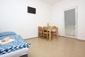 Apartments Jasmina, Apartmány  Novalja - big - 22
